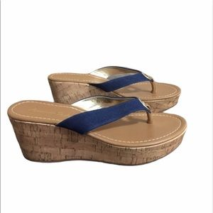 American Eagle Cork Wedge Thong Sandals Size 6